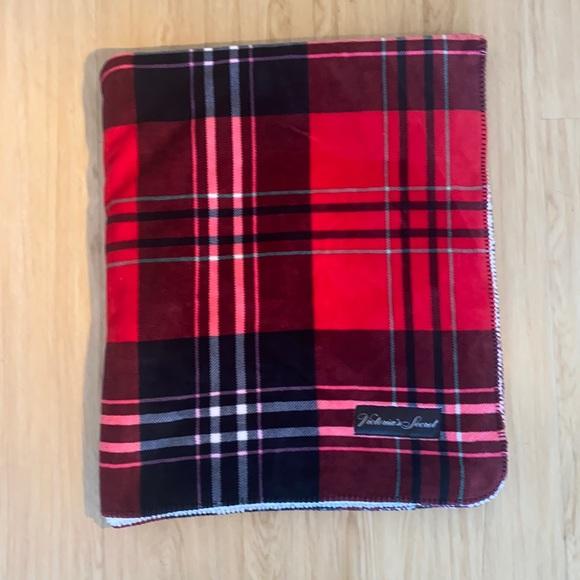 Victoria's Secret warm fuzzy blanket